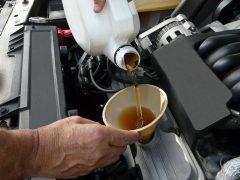 Как самому заменить масло в двигателе