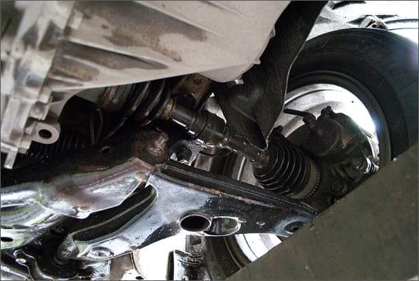 Левый передний автомобильный привод